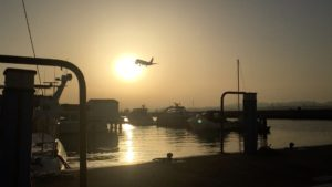 Calypso ligt in Gibraltar tussen de jet-set