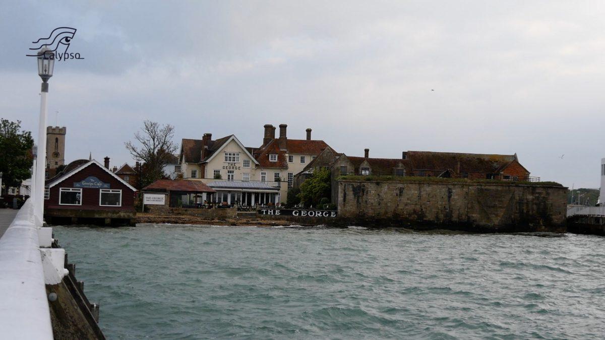 Calypso – Yarmouth bunkeren en een piraat!