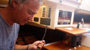 Extra massa-kabel wellicht overbodig