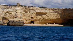 De kust van de Algarve is prachtig